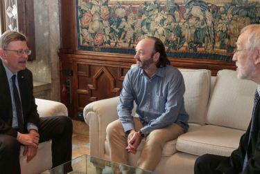 Puig recibe en audiencia a representantes de la Fundación Vicente Ferrer