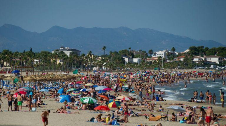 La Diputación de Castellón prevé una mejora en la ocupación turística de agosto hasta llegar a alcanzar el 93% en costa y el 80% en interior