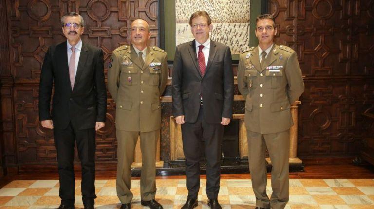 Puig recibe en audiencia a los jefes entrante y saliente del Batallón de la Unidad Militar de Emergencias de Bétera