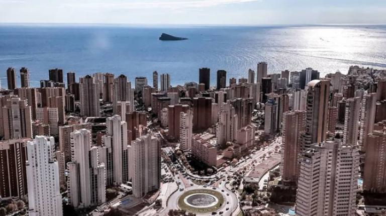 La ocupación hotelera de la Costa Blanca baja más de tres puntos