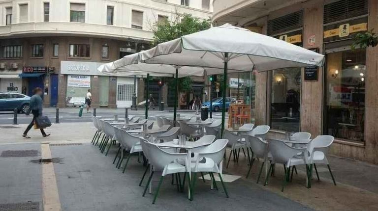 El Ayuntamiento aprueba un plan de inspección de terrazas con motivo de la ampliación para la covid-19