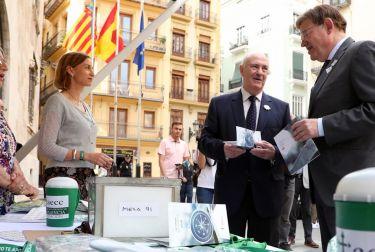"""Ximo Puig resalta la importancia del """"compromiso permanente de la sociedad"""" en la lucha contra el cáncer"""