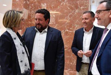 Moliner participa en la presentación de la candidatura de Eva Alcón como nueva rectora de la UJI