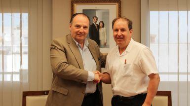 El presidente de Cámara Valencia, José Vicente Morata, y el presidente de Unión Gremial, Francesc Ferrer, han firmado hoy un acuerdo de colaboración