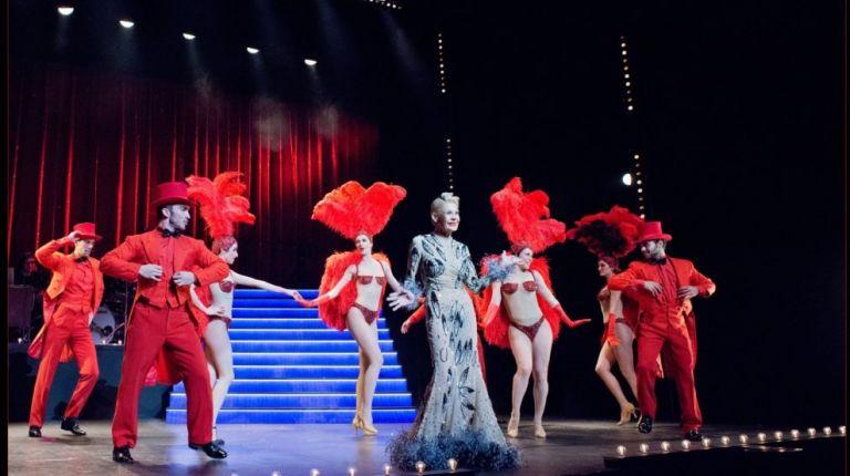 Exitoso estreno de 'Un chico de revista' en el Olympia