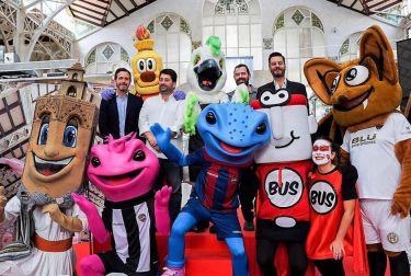 La mascota del Mercado Central se presenta a la sociedad valenciana en el Día Mundial de la Alimentación