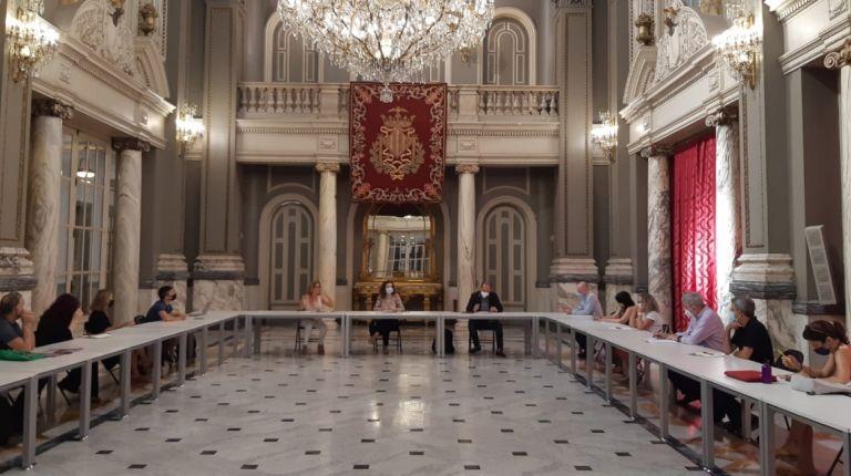 El Ayuntamiento de València aborda la situación de las industrias culturales y creativas