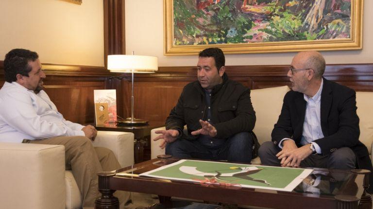 Javier Moliner, se ha reunido con el alcalde de Lucena del Cid