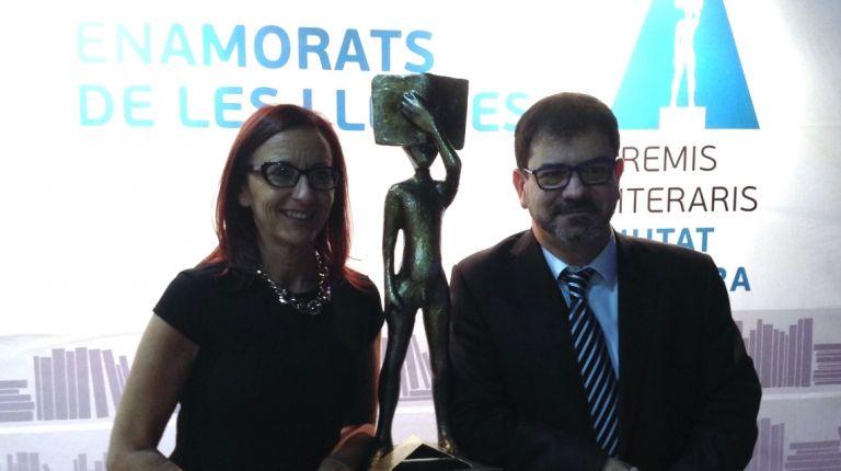 Los Premis Literaris Ciutat d'Alzira entregan sus galardones