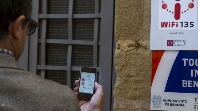 La Diputación de Castellón aumentará un 25% los puntos de conexión de banda ancha en el interior
