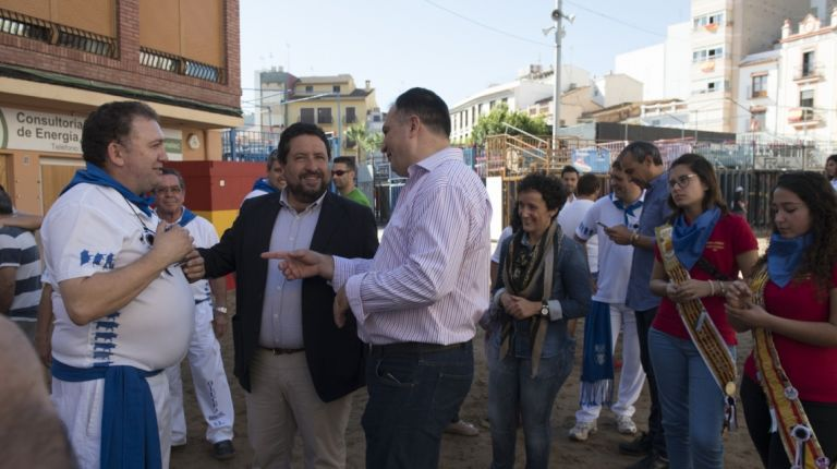 La Diputación potencia los festejos taurinos populares con su colaboración con el XXV aniversario de la Pascua Taurina de Onda