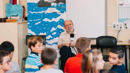 Alumnos del CEIP Tomás Albert de Albuixech recitan poemas a Marc Granell