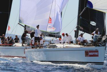 El valenciano Porrón IX cede el liderazgo de los Swan 45 en favor del italiano Swing Cube
