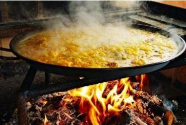 Seis consejos para cocineros principiantes: cómo hacer una paella valenciana perfecta