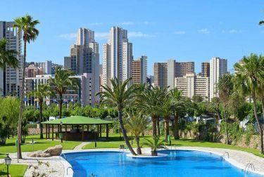 Benidorm y la Costa Blanca mantienen una previsión del 95% de ocupación hotelera para el puente de agosto.