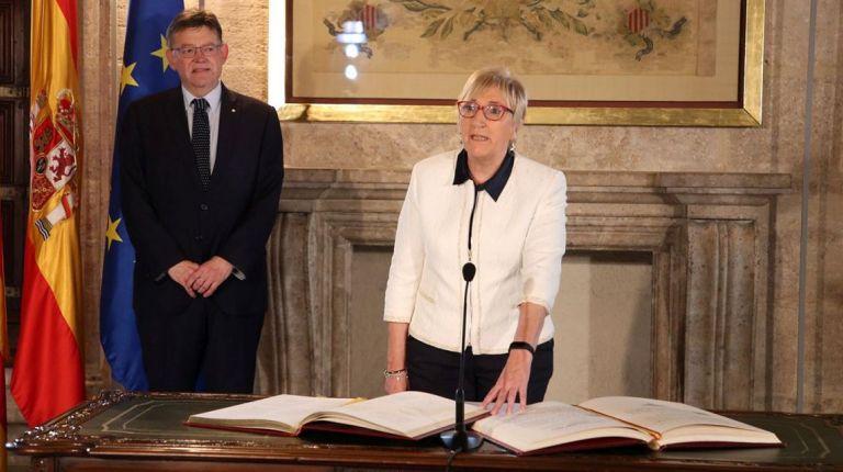 Ximo Puig preside la toma de posesión de la nueva consellera, Ana Barceló