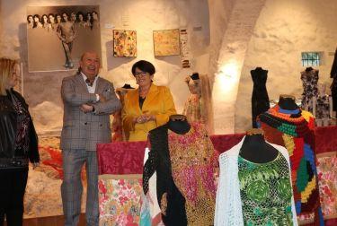 Llíria acoge una exposición dedicada al diseñador Francis Montesinos