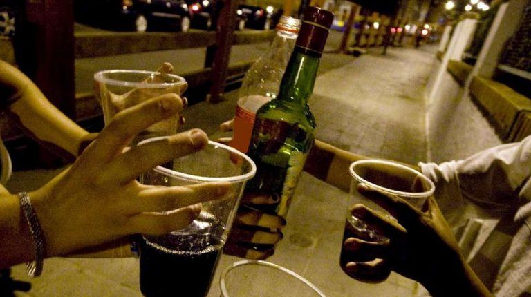 EL OCIO NOCTURNO, EL GRAN PERJUDICADO POR LA VENTA ILEGAL Y CONSUMO DE ALCOHOL EN FALLAS