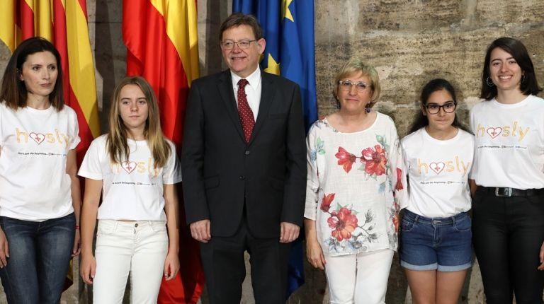 Ximo Puig se reúne con las candidatas valencianas al Technovation Challenge