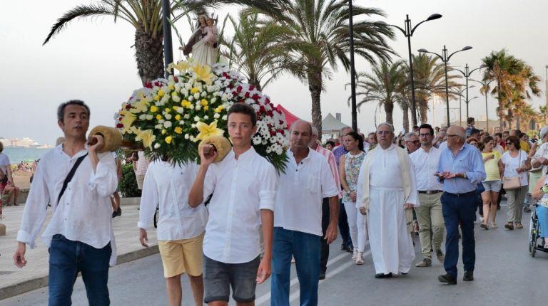 Port Saplaya rinde homenaje a la Virgen del Carmen