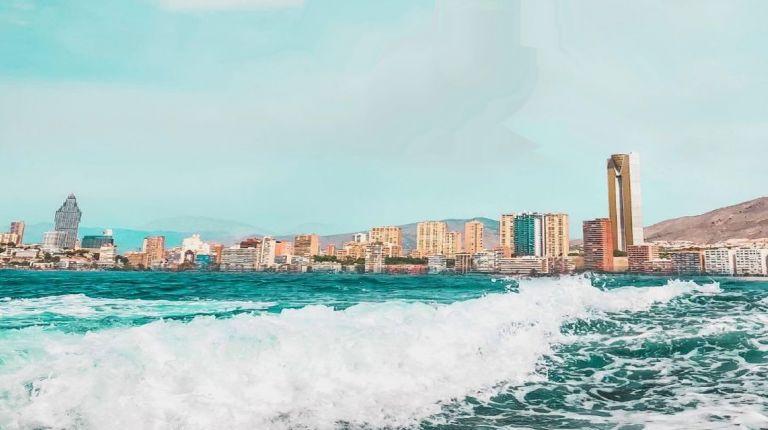 La ocupación hotelera de Benidorm se mantiene estable durante el mes de enero y supera el 75%.
