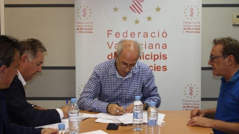 Fotur y La FVMP firman un convenio para fomentar la movilidad en el área metropolitana
