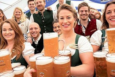 La Oktobeerfest de la Marina abre este sábado sus puertas con más de 15.000 litros de cerveza
