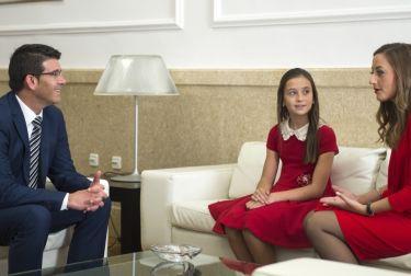 Jorge Rodríguez recibe a Rocío y Daniela, falleras mayores de València