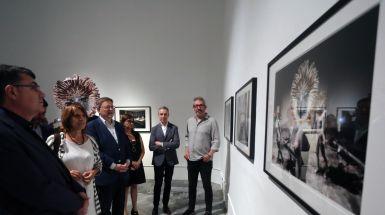 Puig asiste a la inauguración de la exposición 'JOC' en el Centre del Carme