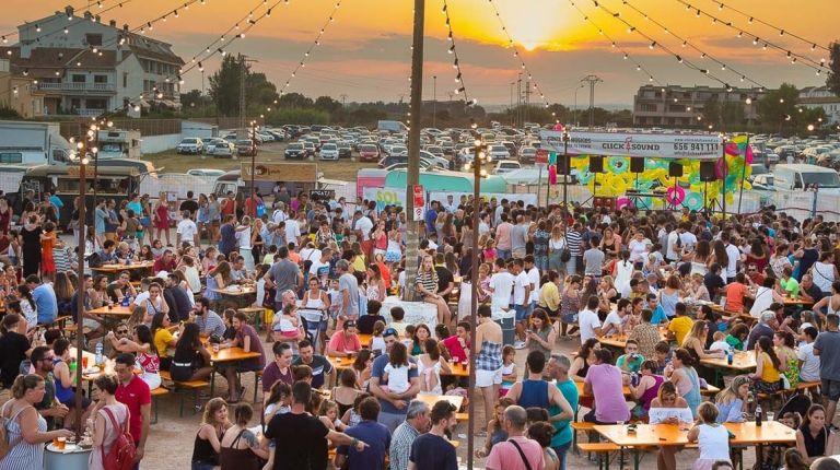 La cuarta edición de Solmarket amplía su oferta lúdica y gastronómica para todos los públicos en la playa de El Puig