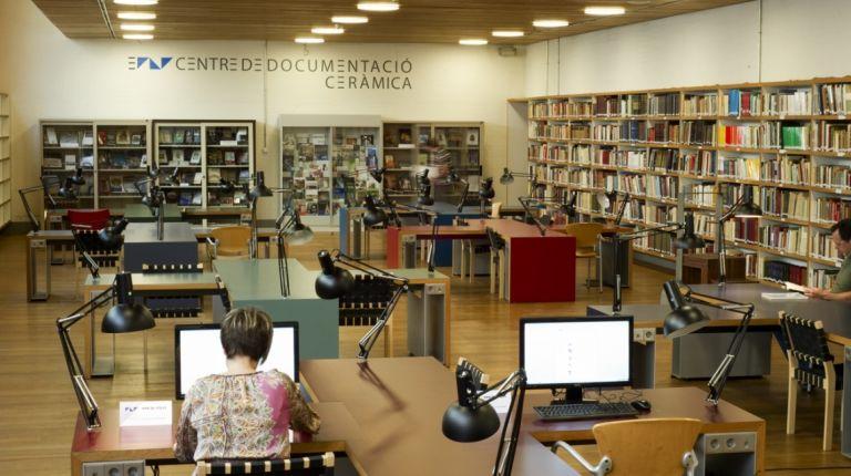 El Museo Nacional de Cerámica promocionará la historia de la cerámica provincial a través del archivo de la Diputación