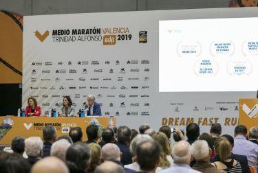 VALÈNCIA CELEBRA EL DOMINGO EL MEDIO MARATÓN QUE, CON 17 500 PARTICIPANTES, CUENTA CON RÉCORD DE INSCRITOS