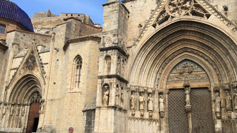 Licitan la restauración de la puerta de los Apóstoles de la Basílica Arciprestal de Morella