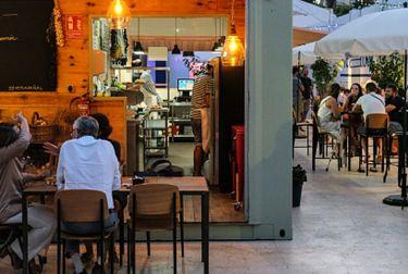 Mercabañal amplía la oferta gastronómica y de ocio para fomentar la cultura de terraza como sello mediterráneo