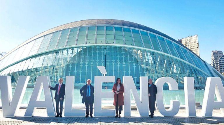 El Ayuntamiento incorpora el nombre de València en una de los enclaves más fotografiados de la ciudad